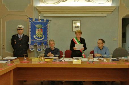 Il 18 dicembre Sant'Antonino di Susa revoca la cittadinanza a Mussolini e la conferisce alla Segre.